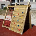 Od otroških hišic do toboganov: otroška igrala za vsakogar